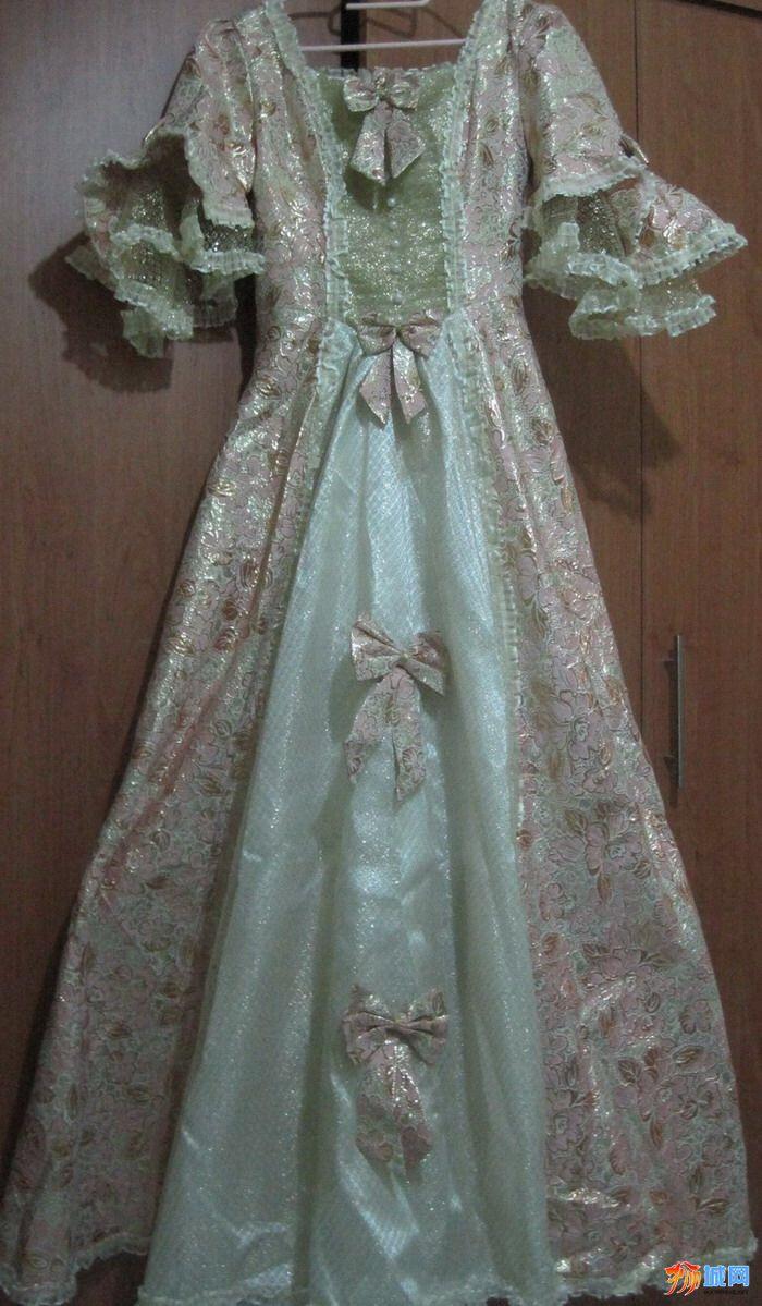 现售英式公主礼服