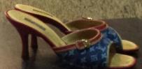降价了,100元转一双正品LV的拖鞋
