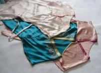 各类真丝围巾,真丝睡衣、旗袍及刺绣手包清仓处理