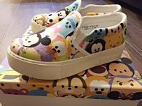 出售女生一双闲置的i.t帆布鞋 tsum tsum系列