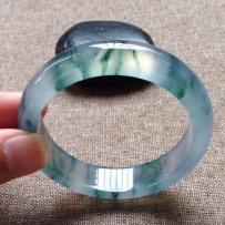 宝瑜珠宝10款收藏级精品翡翠手镯,喜欢来询价哦,微信BaoyuJewelry浏览更多宝贝图片!