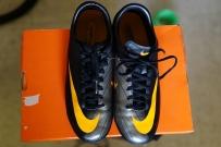 儿子JC毕业,卖几双二手上学时穿的足球鞋运动鞋