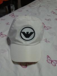 出售全新正品Armani帽子