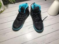 出一双全新Adidas42码篮球鞋 50新