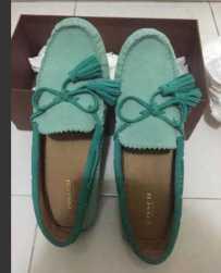全新coach豆豆鞋(麂皮) $139