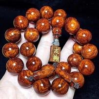 精美手串配饰。上好木质珠链。佛珠首饰。