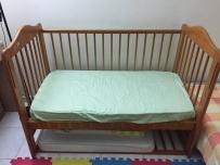 卖婴儿床,Graco playpen,小滑梯,孕妇枕
