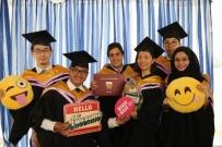 NTU和NUS的两件毕业硕士服转让