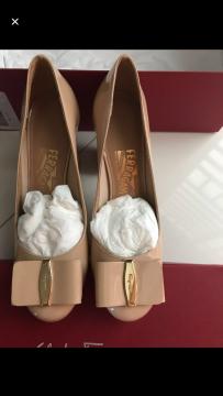 全新正品ferrogamo 鞋子白菜价甩卖