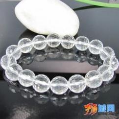 新加坡大量销售天然水晶手饰各种工艺品。