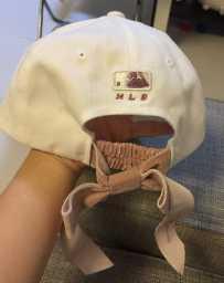 帽子全新,戴起来太大了,便宜卖!