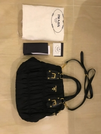 Prada 黑色包包 Tessuto Gaufre Nero BN1789 真品闲置转让