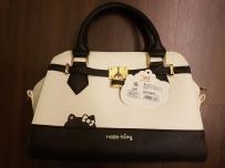 特别版Hello Kitty女士手提包(东京机场直购)$80