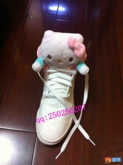 2012新款潮鞋 超萌 板鞋 Hello Kitty x UBIQ合作款 全球限量