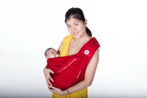 28f5d06f9d1 ... 08-sg50baby-jubilee-gift-baby-sling-2.jpg ...
