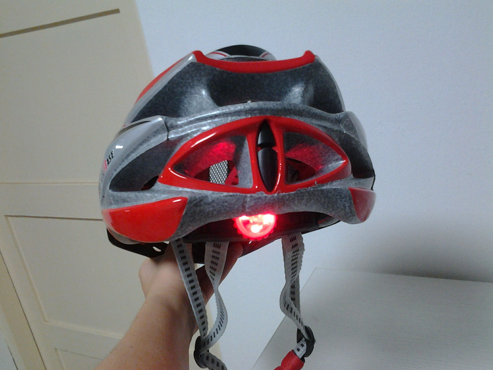 helmet with alarm lighting1.jpg