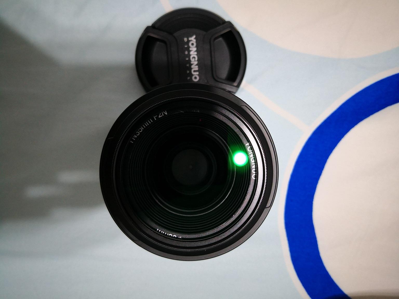永诺35mm/F2.0