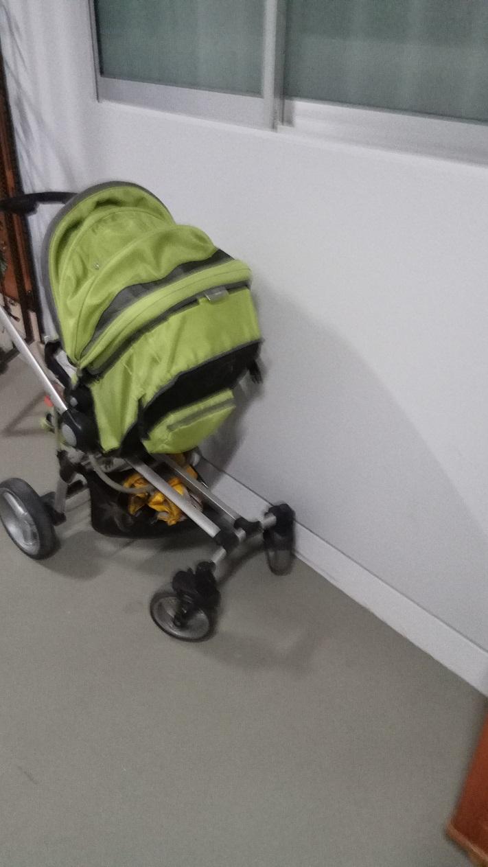 婴儿车.jpg