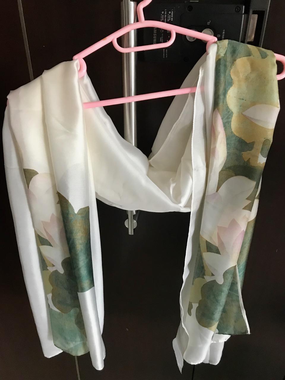 围巾:S$10