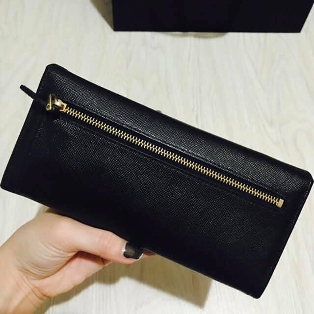 Prada Wallet 4.jpg