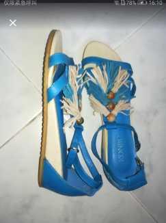 全新女凉皮鞋 S$5