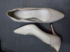 【回国甩卖】真皮女士高跟鞋、平底鞋
