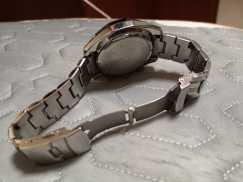 出售 2支  一直闲置的男士手表,卡西欧和阿迪达斯