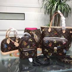 现货奢侈顶级潮牌美衣和包包,鞋子和衣服有码数可以选择!