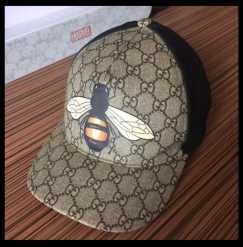 Gucci 2020经典Supreme蜜蜂棒球帽 $450