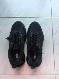 出售全新安全鞋