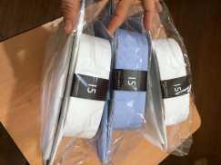 男士衬衫,JOHN HAROLD 牌子,购于ROBINSONS,,两件白色,一件浅蓝色,,小号15号,
