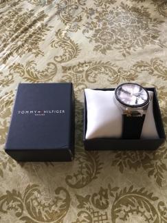 全新手表出让,品牌tommy$230