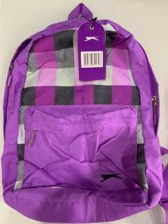 新背包和挎包各一个