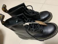 Dr. Martens 1460 8孔靴子