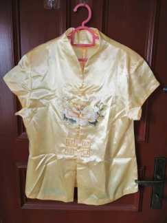 中式锈花衬衫S$10