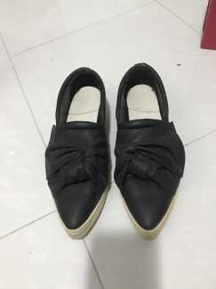 Mango 平底鞋 $10黑鞋白底 39号