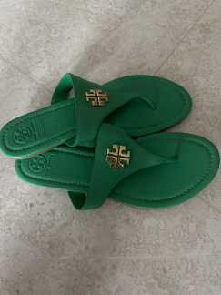 Tory Burch绿色纯皮人字拖鞋