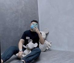 厂家一手大牌复刻衣服鞋子包包 均可邮寄到新加坡 包通关 wechat: czxs_seven