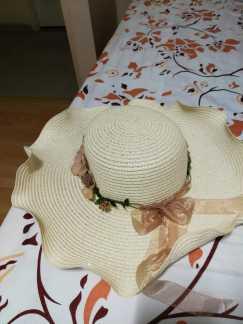 海边沙滩遮阳帽 6新币