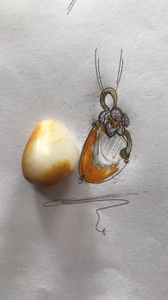 和田玉籽料的另一种美—金镶玉