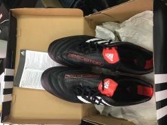 阿迪达斯全新足球鞋 44码 50新币 有鞋盒