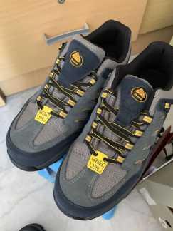 全新安全鞋,低价转让