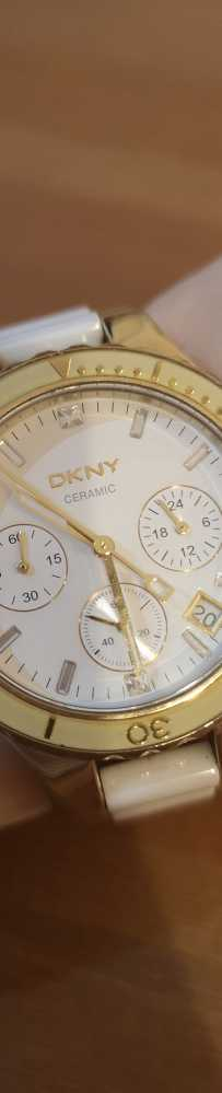 DKNY 白陶瓷手表低价转手288新币