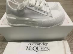 转一双超级好看全新麦昆2021ss 早春 MQ休闲帆布小白鞋