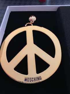 Moschino 限量款 反战耳环耳夹$120