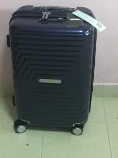 全新拉杆行李箱