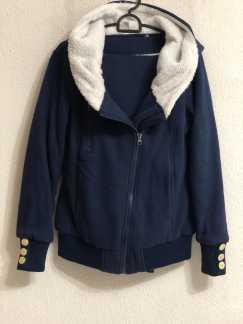 冬裝衣服褲子兩套 (深藍和灰色)一套$50 兩套 $80 卡迪 地鐵站附近 自取