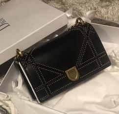 正品 Chanel Dior Prada LV Ferragamo Tory Burch包包 钱包鞋子低价转让