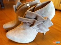 两双美鞋。。