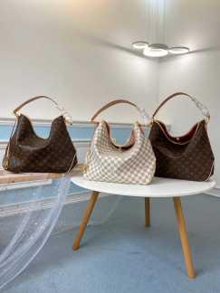 出售香奈儿,LV手提包,dior手包,现货呦❤️